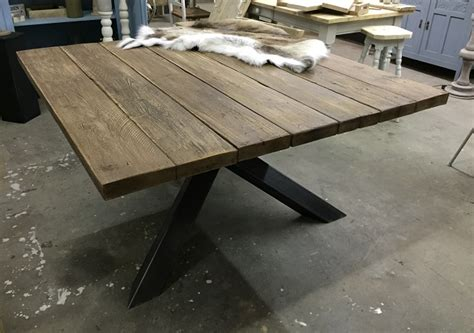 vierkante salontafel met kruispoot vierkante tafel met stalen kruispoot hillshome