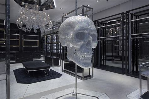 Black And White Chandelier Philipp Plein Opens In Dubai S Mall Of The Emirates
