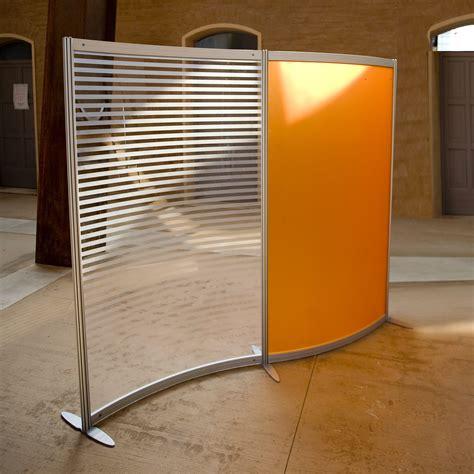 divisori mobili per ufficio divisori mobili per ufficio colorati arancio e rigato