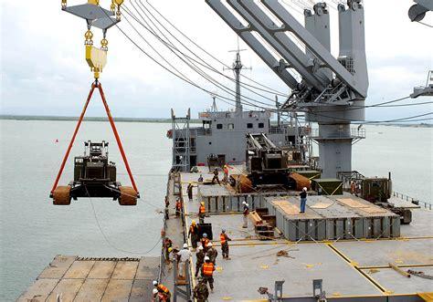 boat crash green bay wi file us navy 090608 n 5787k 001 a 154 000 pound manitowoc