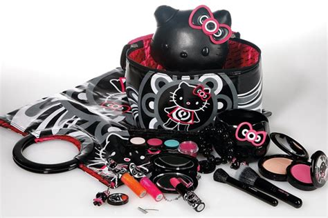Dompet Kosmetik Hello For Sale In Japan Only Hkep10375 mac cosmetics x hello makeup collection