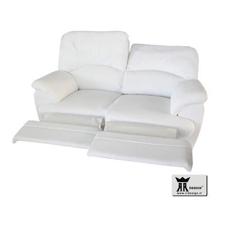 divani con recliner divano relax manuale con 2 recliner ecopelle della linea
