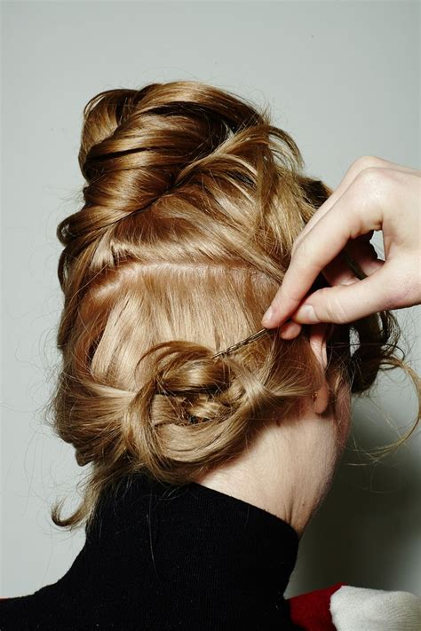 best 20 curling iron hairstyles ideas on pinterest hair curling iron hair tutorial curls and