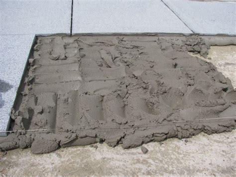 hoe krijg je cement van tegels terras aanleggen doehetbeterzelf