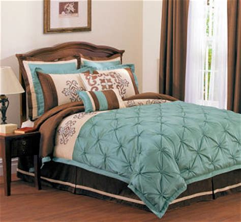 restful blue and brown bedding and bedroom decorating ideas