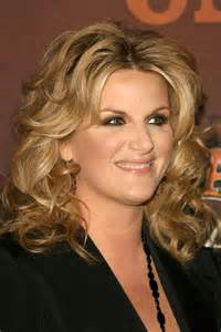 trisha yearwood shaggy hairstyle trisha yearwood game google family feud
