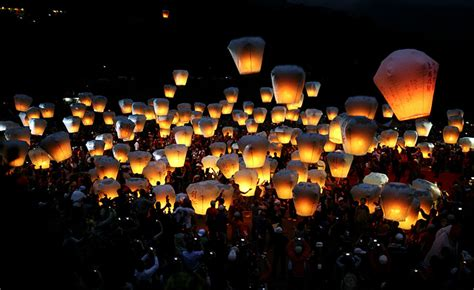 lanterne volanti cinesi il rosso il drago e il nian gao pro loco carmignano