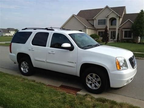 sell used 2007 gmc yukon sle 4x4 clean in youngstown ohio united states for us 15 600 00