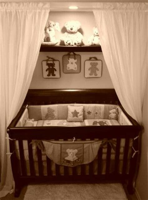 La Ideal Cribs by Best 25 Crib In Closet Ideas On Organize Baby