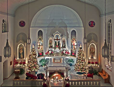 Wedding in Church: Ideas for Church Christmas decor