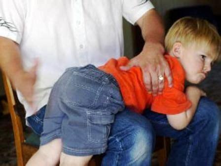 come si fanno le punture sul sedere punizioni corporali inutili lo dice uno studio