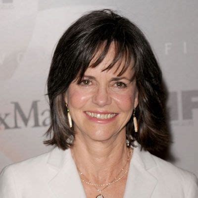 2005 hairstyles for 50 plus women sally field sally field hairstyles layered hairstyles