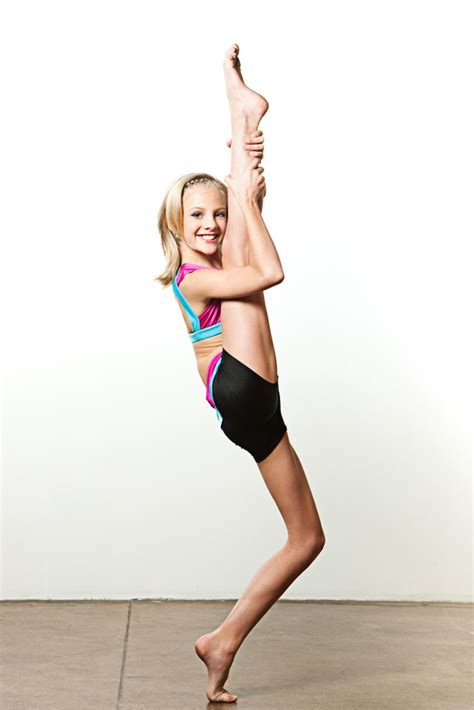 dance moms hot pics paige showing off her flexibility at oxyjen s dance moms