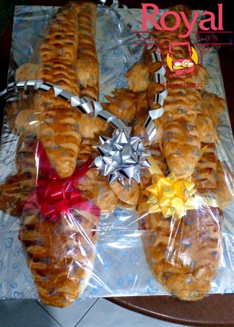 Pesenan Pak roti buaya pesanan pak bayu di cimanggis depok royal snack box