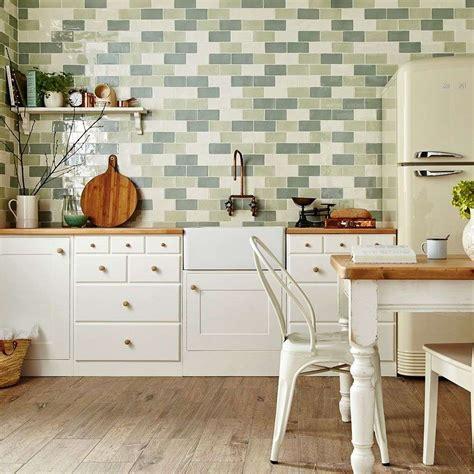 Top 10 Kitchen Tiles: Fab Splashback and Floor Ideas