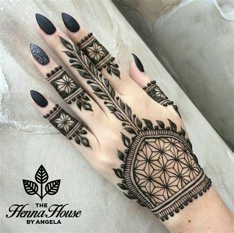 tattoo specialist singapore henna tattoo のおすすめ画像 125 件 pinterest ヘナメヘンディ ヘナタトゥー 落書き