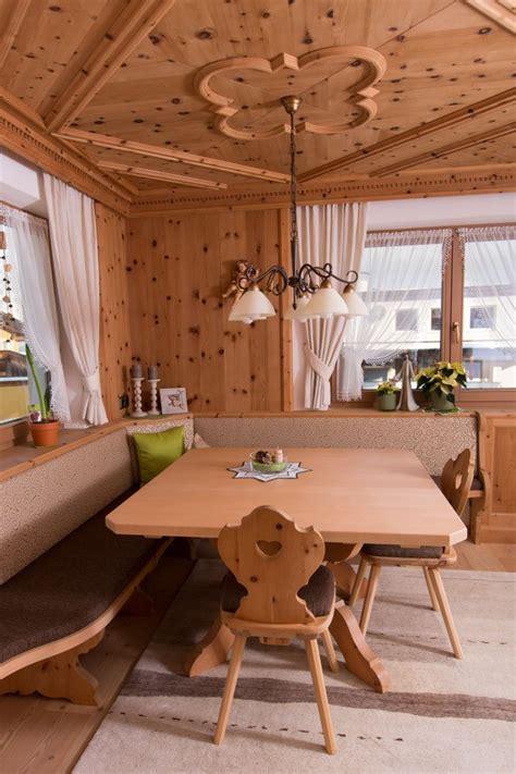 einzelmöbel wohnzimmer zirben wohnzimmer zirbenm bel schr nke komoden nachtschr