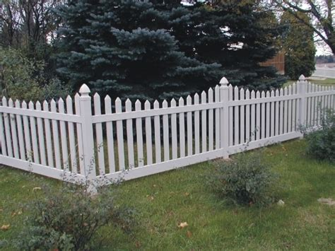 Garden Fencing Lowes by Vinyl Fence Lowes Fence Ideas