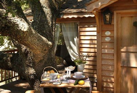 la piantata black cabin the tree house suite bleue tree houses la piantata