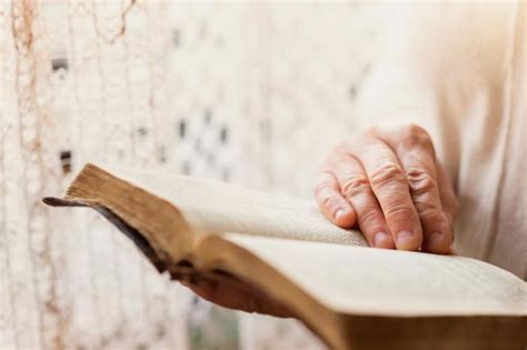 of the person books reading books could increase lifespan news today
