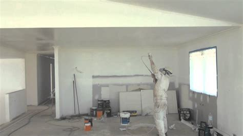 Paint Sprayer For Ceilings by Spray Painting A Ceiling How To Paint A Ceiling The Easy
