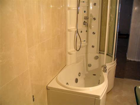 vasca e doccia idromassaggio consiglio disposizione sanitari rifacimento bagno