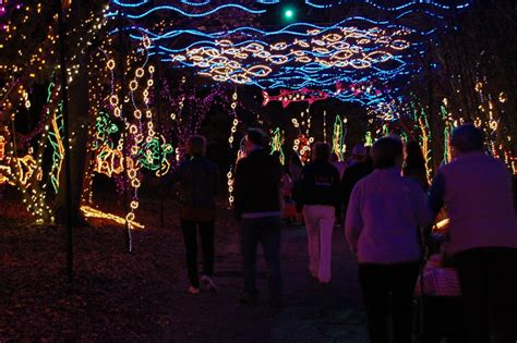 magic christmas in lights at alabama s bellingrath gardens