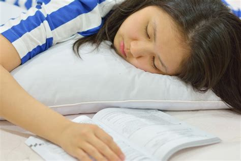 reading   sleepy wonderopolis