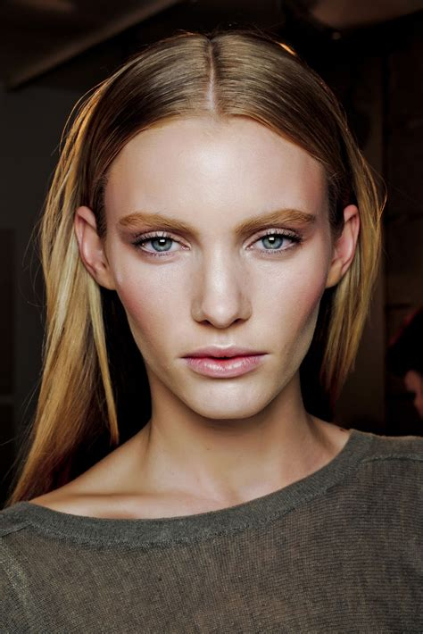 Prominent Cheekbones | 12 models with prominent cheekbones the front row view