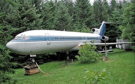 airplane house 25 best ideas about unusual houses on pinterest weird