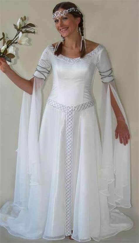 Buying Celtic Wedding Dresses   Sangmaestro