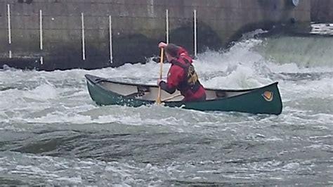canoes thames canoeing on the thames canoe london canoe london