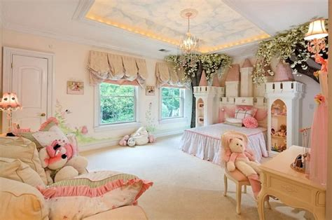 little girls dream bedroom se l arredamento 232 da fiaba camerette per bimbi milionari