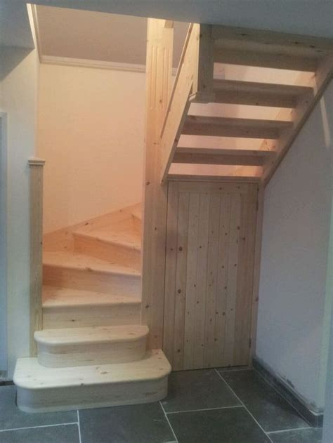 Winder Stairs Design 25 Best Ideas About Small Staircase On Stairway Small Space Stairs And Traditional