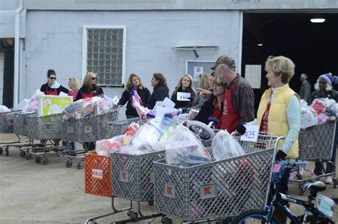 the gift of giving salvation army gift distribution ends