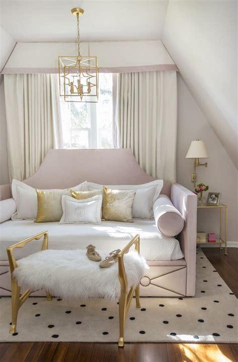hawaiian style bedroom furniture best 25 hawaiian bedroom ideas on pinterest caribbean