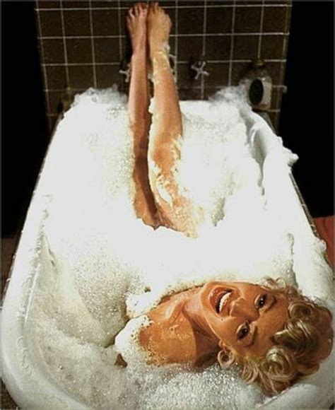 Marilyn Bathtub by Discover And Save Creative Ideas