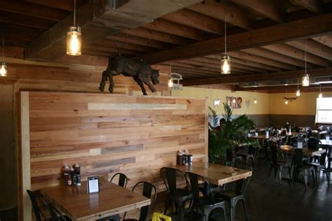 Bayne's BBQ   Wood Feature Walls   Heart Pine Character
