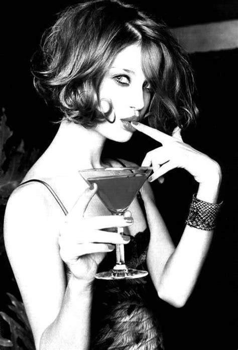 Happy Hour Vins Gagliardi Lengarran by 17 Best Images About Les Femmes Et Le Vin En Noir Et Blanc