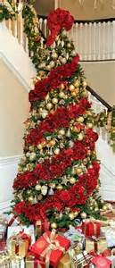 Christmas Garland On Banister Best 25 Southern Christmas Ideas On Pinterest Primitive