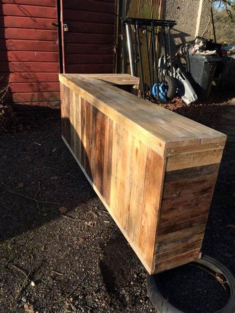pallet bar top diy pallet l shape desk counter and bar table 99 pallets
