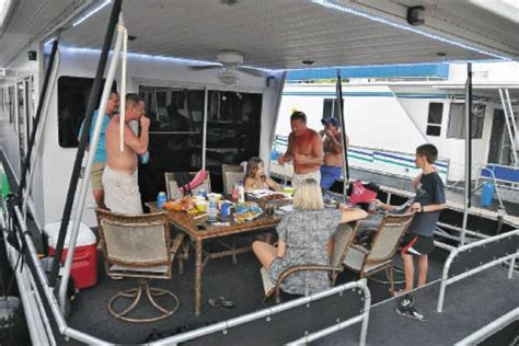 houseboats vs houseboat magazine houseboat rentals manufacturers and