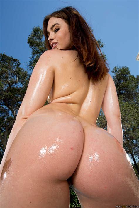 Big Ass Brunette Wants Rough Sex Photos Jennifer White