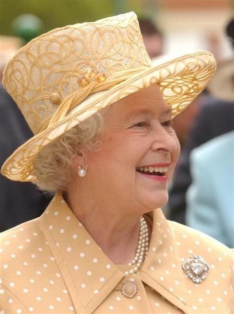 Queen Elizabeth Bing Images | 17 best images about who do you think you are the queen