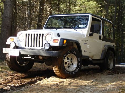 used jeep reasons to buy a used jeep wrangler
