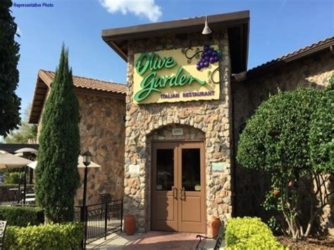olive garden or applebees join the happy hour at olive garden italian restaurant in dallas tx 75220