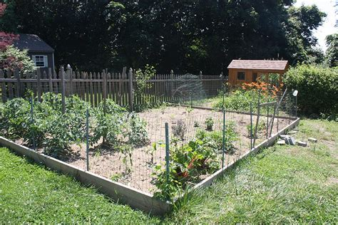 Fencing Ideas For Vegetable Gardens Fencing Around Vegetable Garden Garden Design Ideas