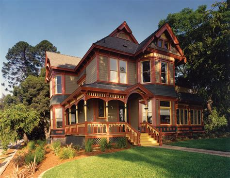 victorian farmhouse style folk victorian house style 6 types with exles for