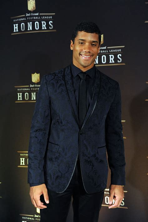 russell wilson shaved head styles stylish looks from adrian peterson andrew luck robert