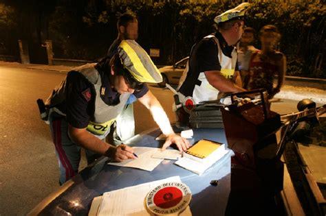 polizia stradale di brescia ufficio verbali perugia polizia ritira quattro patenti la voce